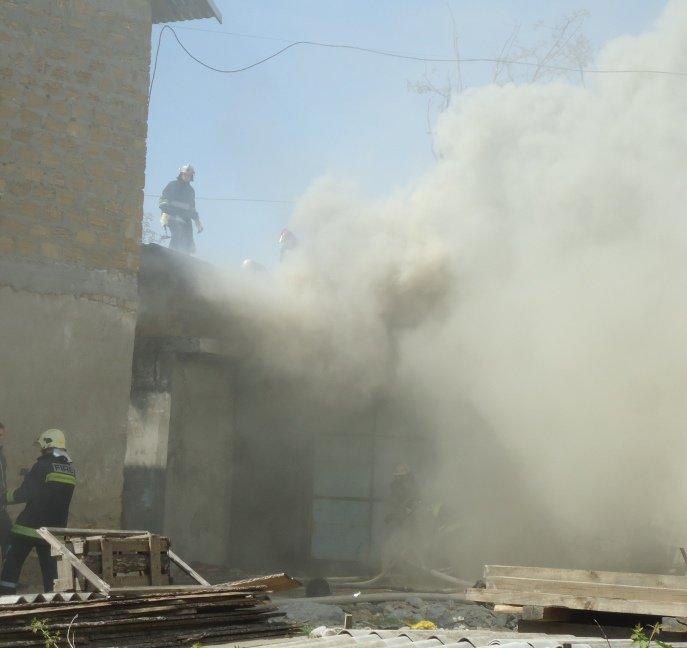Вчера в Херсоне сгорел склад лесоматериалов (фото) (фото) - фото 3