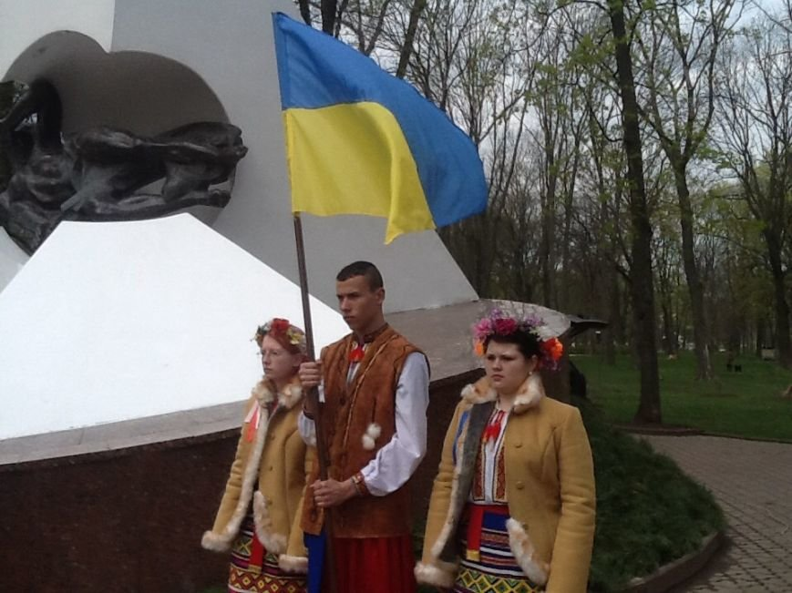 В Харькове почтили память ликвидаторов аварии на Чернобыльской атомной электростанции (ФОТО) (фото) - фото 1
