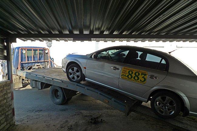 Николаевский блокбастер: таксист удирал от милицейской погони и бросил авто (ФОТО) (фото) - фото 9