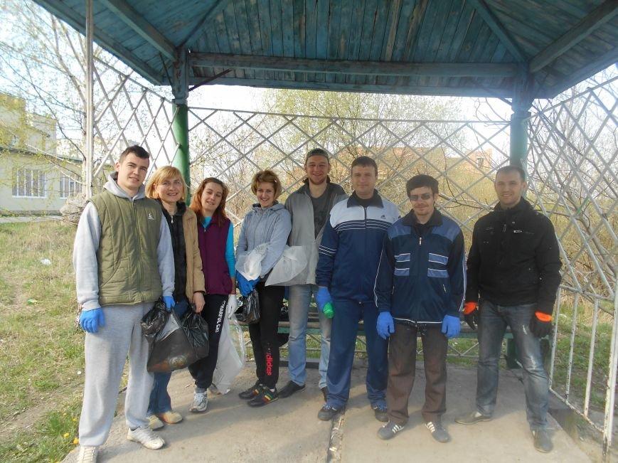 Волонтери зробили Квасилів чистим2