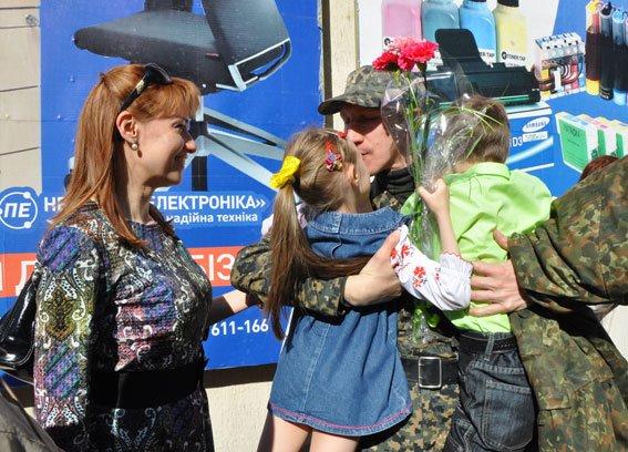Зведений загін полтавських правоохоронців і бійці батальйону Полтава повернулися додому без втрат (ФОТО) (фото) - фото 3