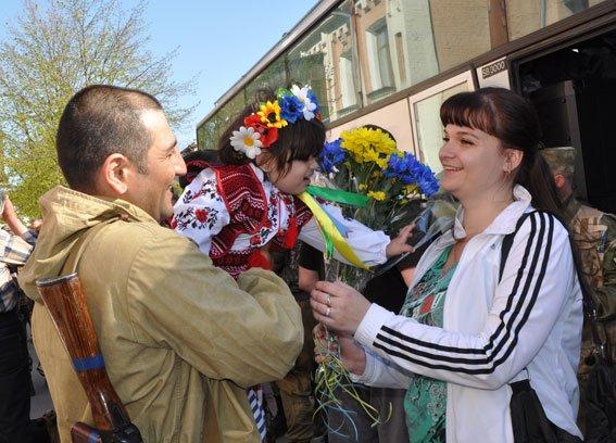 Зведений загін полтавських правоохоронців і бійці батальйону Полтава повернулися додому без втрат (ФОТО) (фото) - фото 4