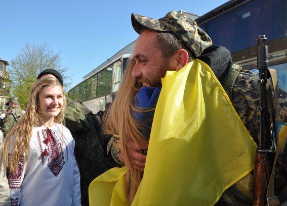Зведений загін полтавських правоохоронців і бійці батальйону Полтава повернулися додому без втрат (ФОТО) (фото) - фото 1