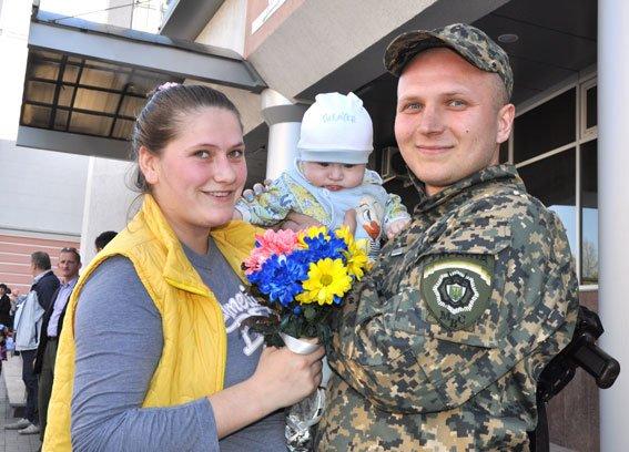Зведений загін полтавських правоохоронців і бійці батальйону Полтава повернулися додому без втрат (ФОТО) (фото) - фото 8