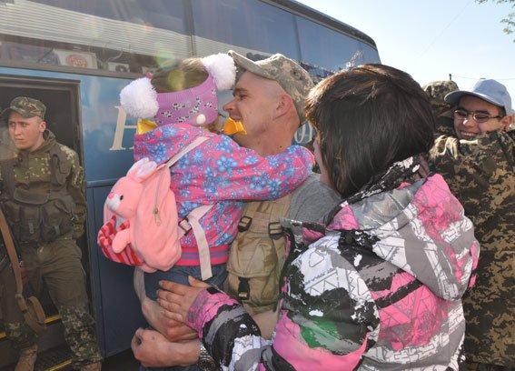 Зведений загін полтавських правоохоронців і бійці батальйону Полтава повернулися додому без втрат (ФОТО) (фото) - фото 2