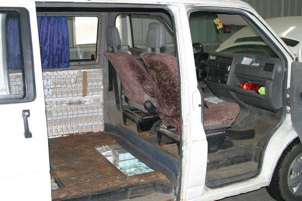 На КПП «Бобровники» польские таможенники задержали белоруса с контрабандными сигаретами на 40 тыс. долларов (фото) - фото 1