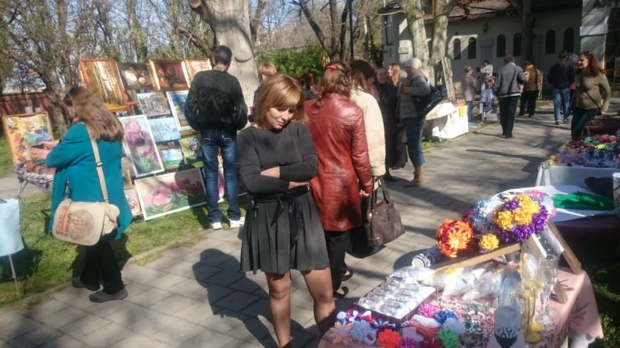 Классики и авангардисты на Платановой аллее в Феодосии, фото-16