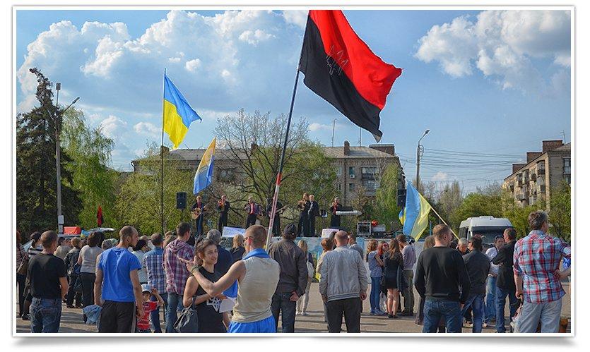 В Славянске снова прошло Вече, весеннее и яркое, с музыкой и стихами(фотофакт) (фото) - фото 11