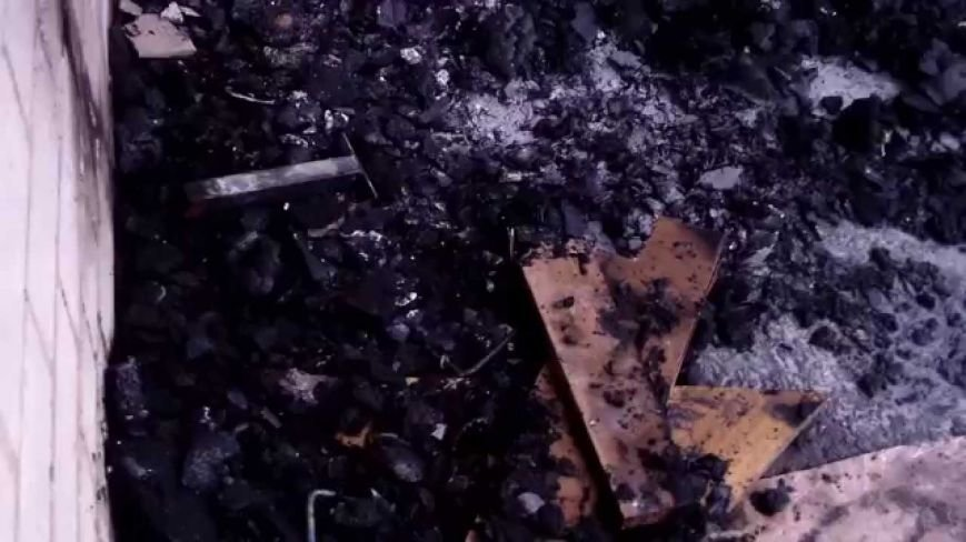 В днепродзержинской пятиэтажке горел балкон (фото) - фото 1