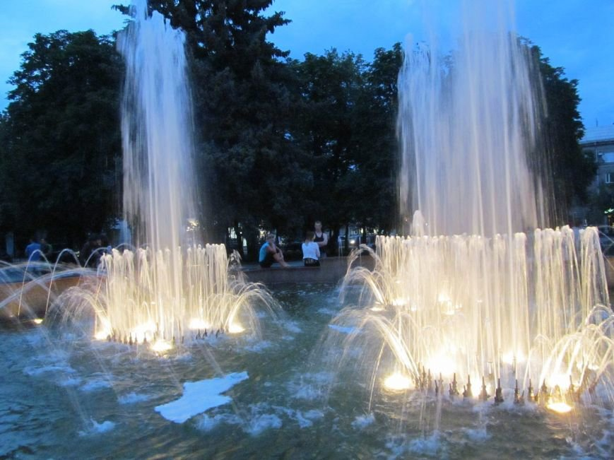 Светомузыкальный фонтан в Кременчуге заработает 1 мая (фото) - фото 1