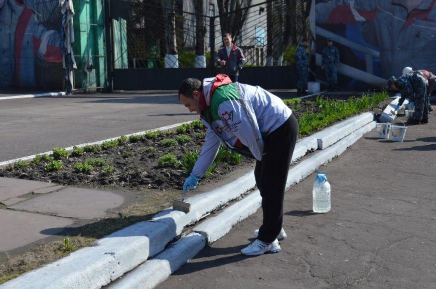 Металлурги Макеевки и Енакиево приняли участие в акции «Чистый город» (фото) - фото 6