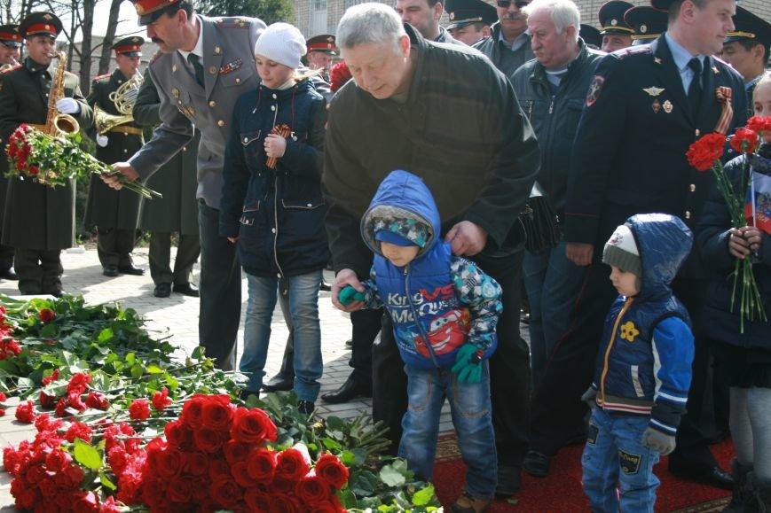 В новой Москве в Троицке был установлен памятник сотрудникам Московской милиции погибшим в годы Великой Отечественной войны, фото-1