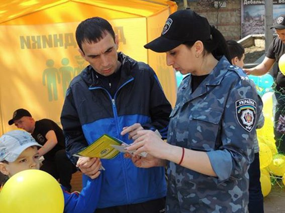 В Івано-Франківську правоохоронці провели акцію «Безпека дітей у руках батьків» (ФОТО) (фото) - фото 4