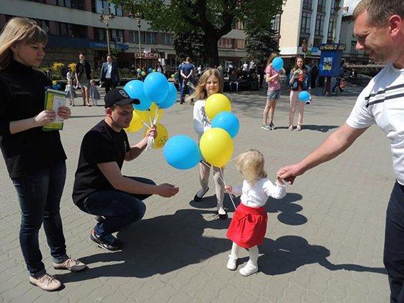 В Івано-Франківську правоохоронці провели акцію «Безпека дітей у руках батьків» (ФОТО) (фото) - фото 1
