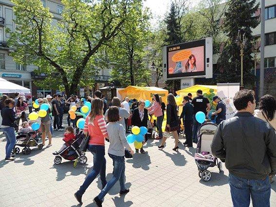 В Івано-Франківську правоохоронці провели акцію «Безпека дітей у руках батьків» (ФОТО) (фото) - фото 3