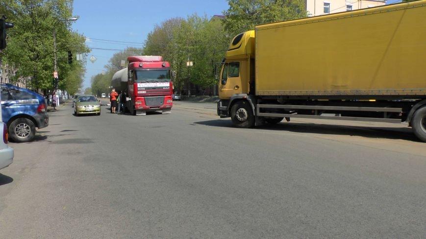 В Днепропетровске произошло смертельно ДТП (ФОТО) (фото) - фото 1