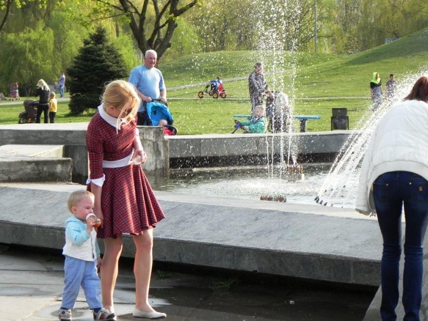 У Броварах запрацював фонтан (фото) - фото 3