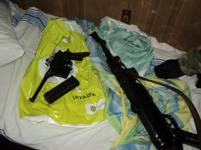 Сумские таможенники обнаружили спрятанное в поезде оружие (ФОТО) (фото) - фото 1