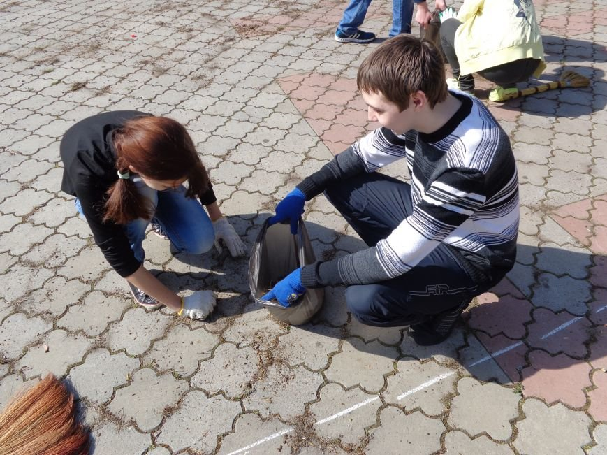 В Красноармейске состоялась генеральная уборка в парке «Юбилейный» (фото) - фото 1