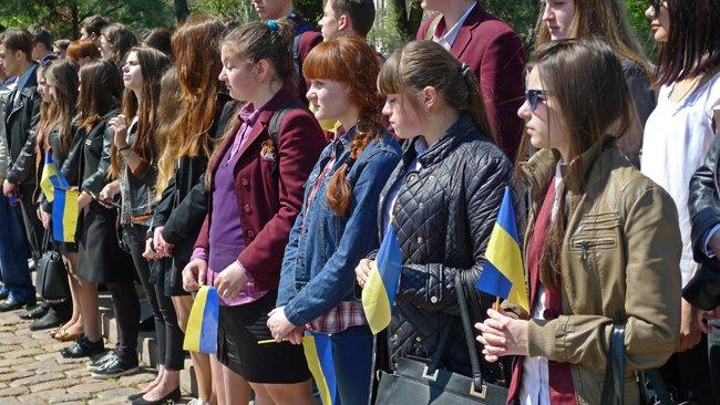 В Николаеве новобранцев торжественно отправили на службу в Нацгвардию (ФОТО+ВИДЕО) (фото) - фото 6