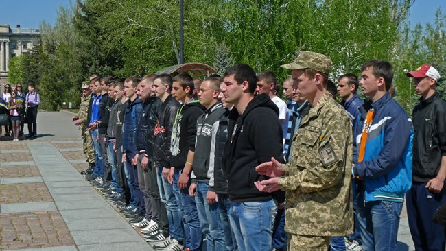 В Николаеве новобранцев торжественно отправили на службу в Нацгвардию (ФОТО+ВИДЕО) (фото) - фото 8