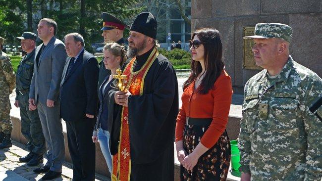 В Николаеве новобранцев торжественно отправили на службу в Нацгвардию (ФОТО+ВИДЕО) (фото) - фото 5