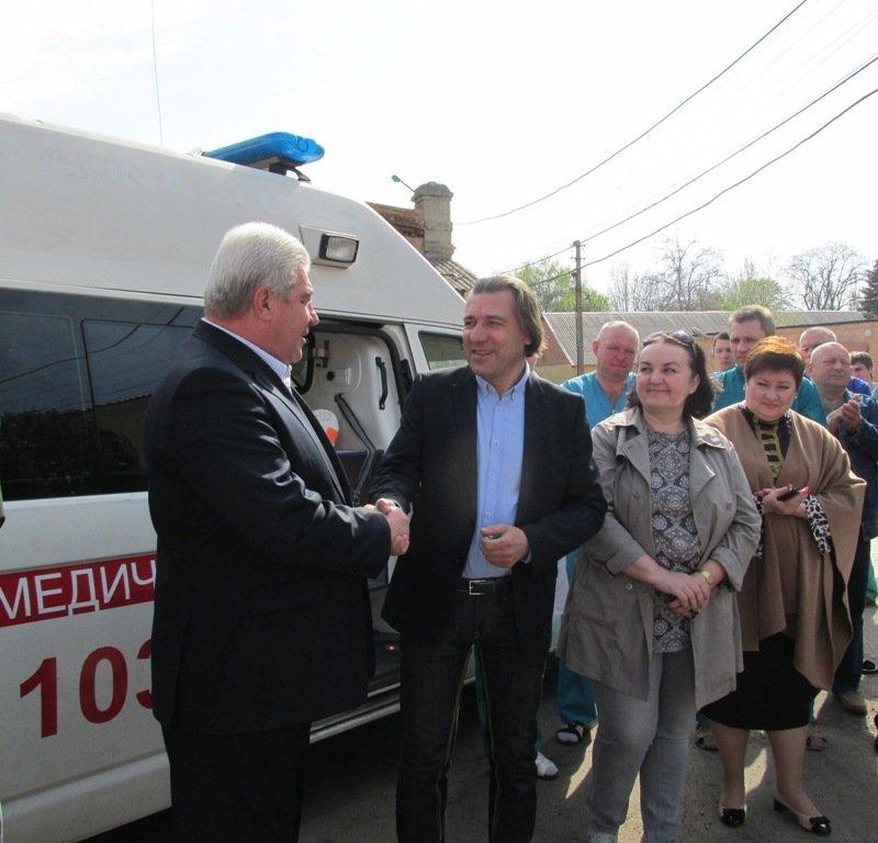 Артемовской центральной районной больнице передали реанимобиль из Германии, фото-4