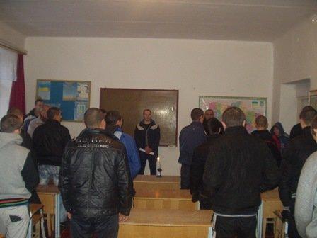 У виправних колоніях Хмельницької області проведено заходи з нагоди вшанування пам'яті жертв Чорнобильської катастрофи (ФОТО) (фото) - фото 2