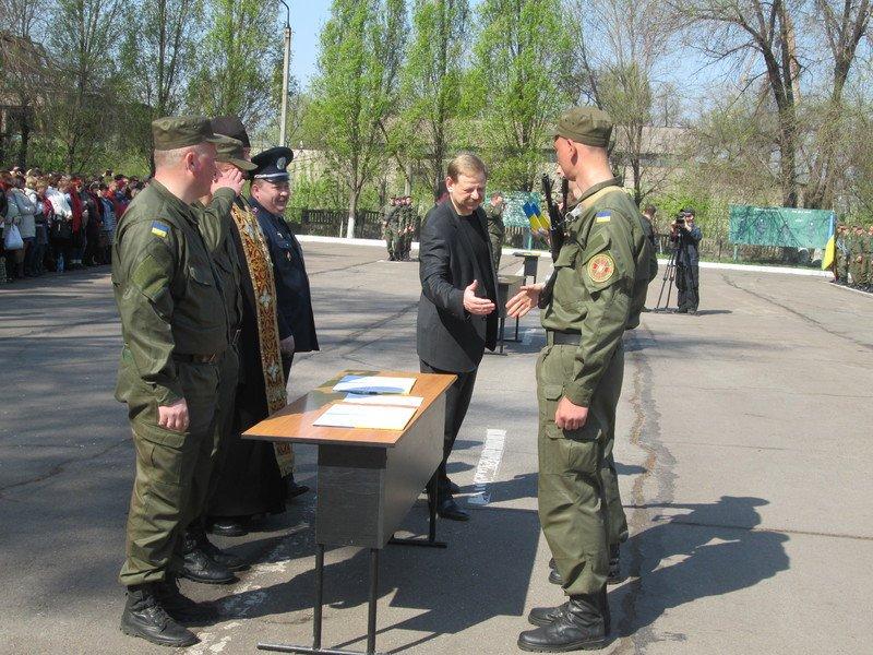 Запорожские бойцы Нацгвардии приняли присягу (ФОТО) (фото) - фото 1