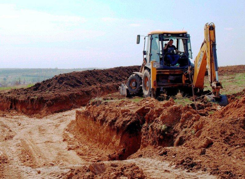 Вокруг Артемовска роют окопы и строят блиндажи (ФОТО) (фото) - фото 1