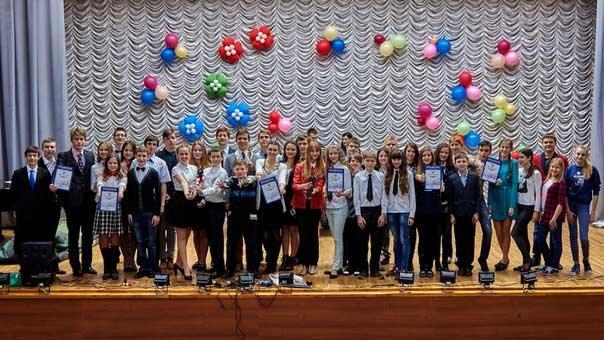 Юные интеллектуалы Макеевки стали призерами в игре «Что? Где? Когда?» (фото) - фото 1