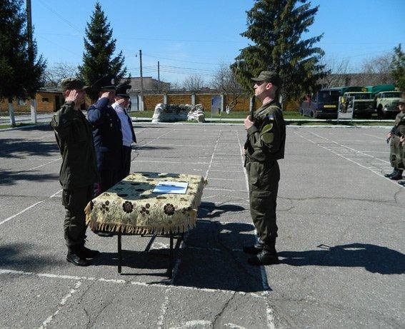 В Сумах солдаты Национальной гвардии приняли присягу на верность Украине (ФОТО) (фото) - фото 1