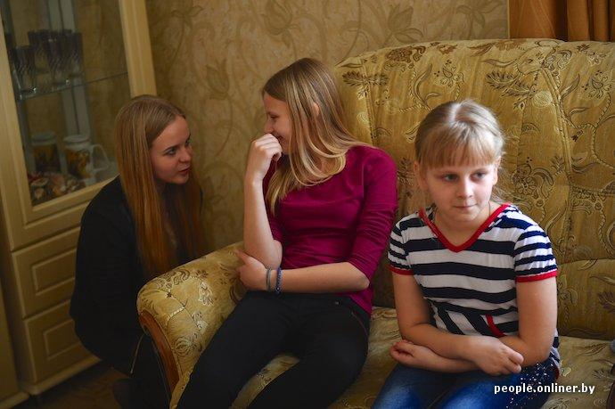 Фоторепортаж: в Лиде отец в одиночку растит трех дочерей (фото) - фото 3