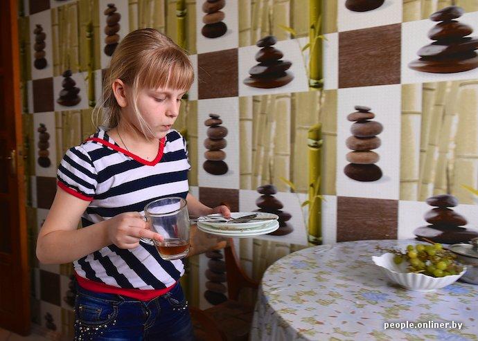 Фоторепортаж: в Лиде отец в одиночку растит трех дочерей (фото) - фото 10