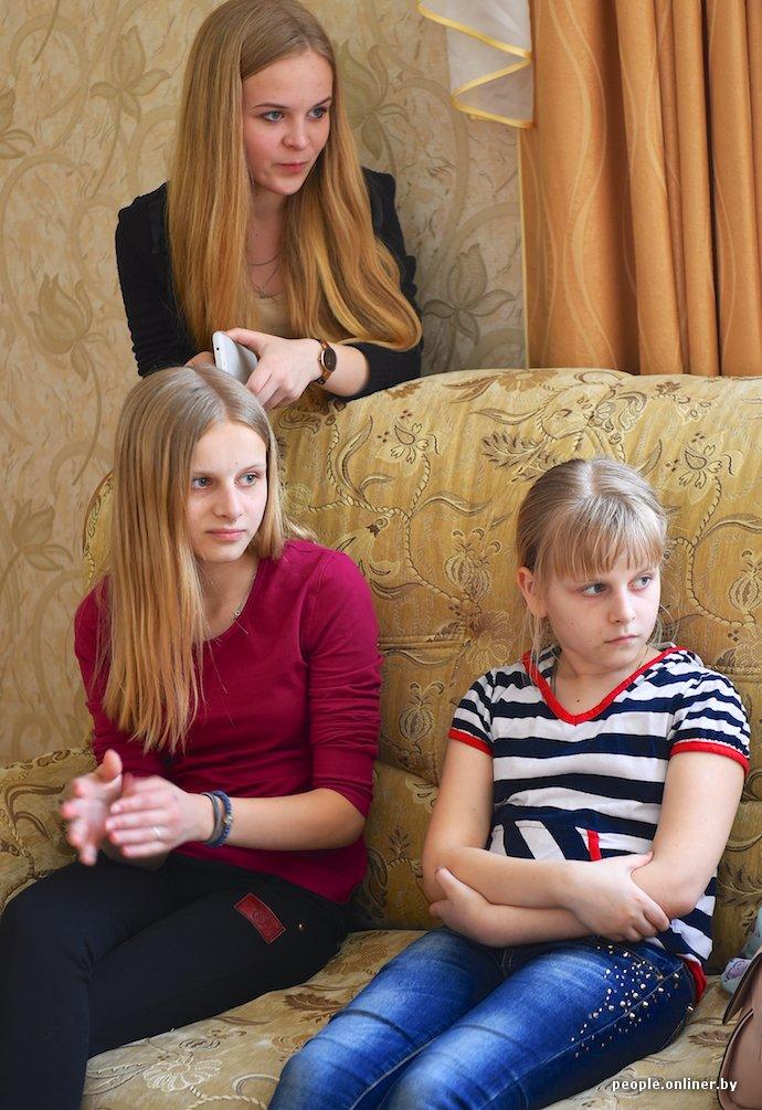 Фоторепортаж: в Лиде отец в одиночку растит трех дочерей (фото) - фото 5