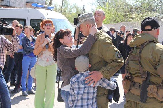 На фронт из Чернигова уехала женщина-полковник (фото) - фото 1