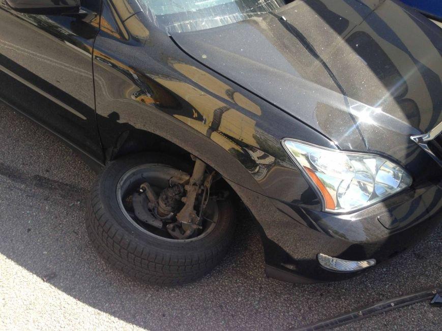 В Днепропетровске столкнулись «Lexus» и автобус (ФОТО) (фото) - фото 3