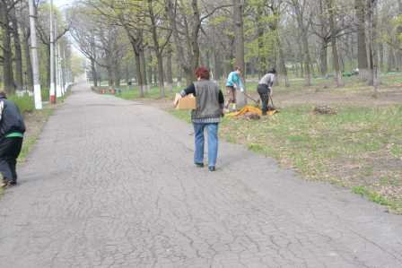 Парк им. Вознесенского преображается перед майскими праздниками, фото-6