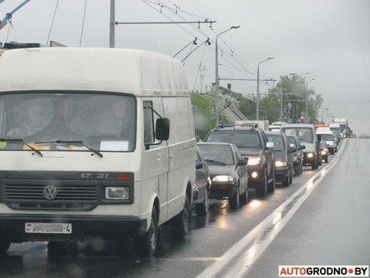 Фотофакт: утреннее ДТП на ул. Советских пограничников создало пробку в центре города (фото) - фото 7