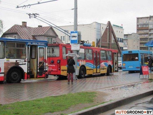 Фотофакт: утреннее ДТП на ул. Советских пограничников создало пробку в центре города (фото) - фото 5
