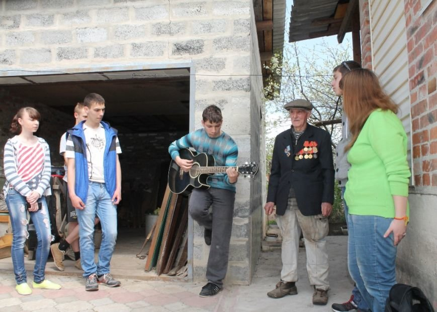 Артемовцы помогли ветеранам не словом, а делом, фото-10