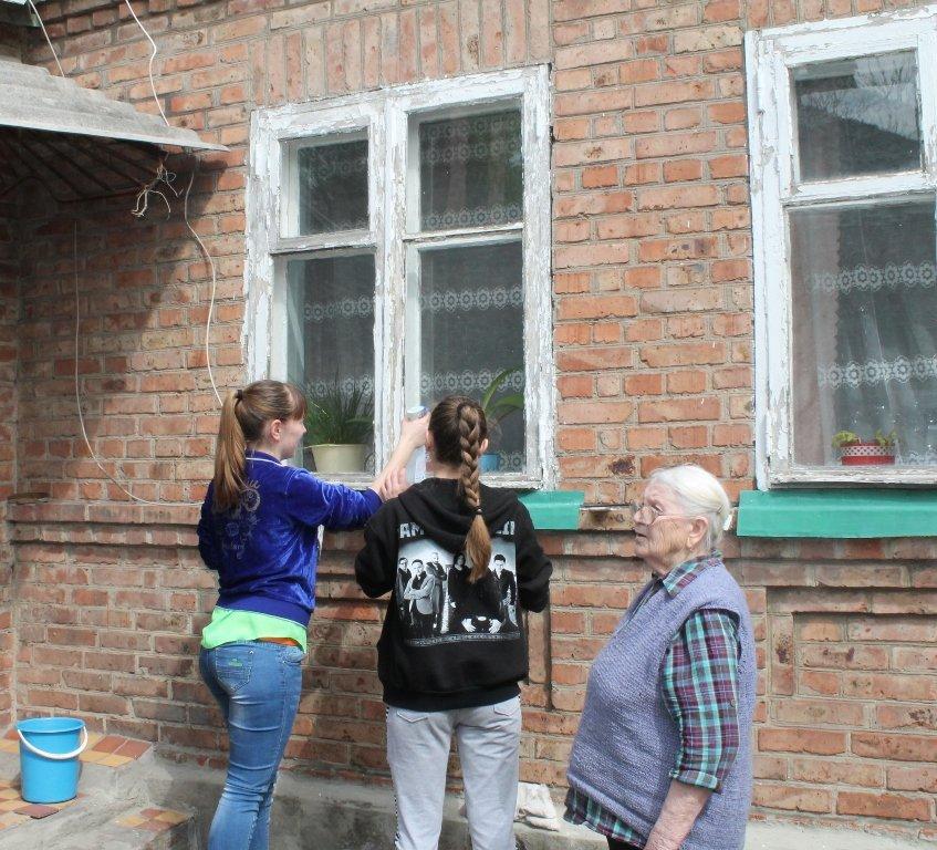 Артемовцы помогли ветеранам не словом, а делом, фото-3