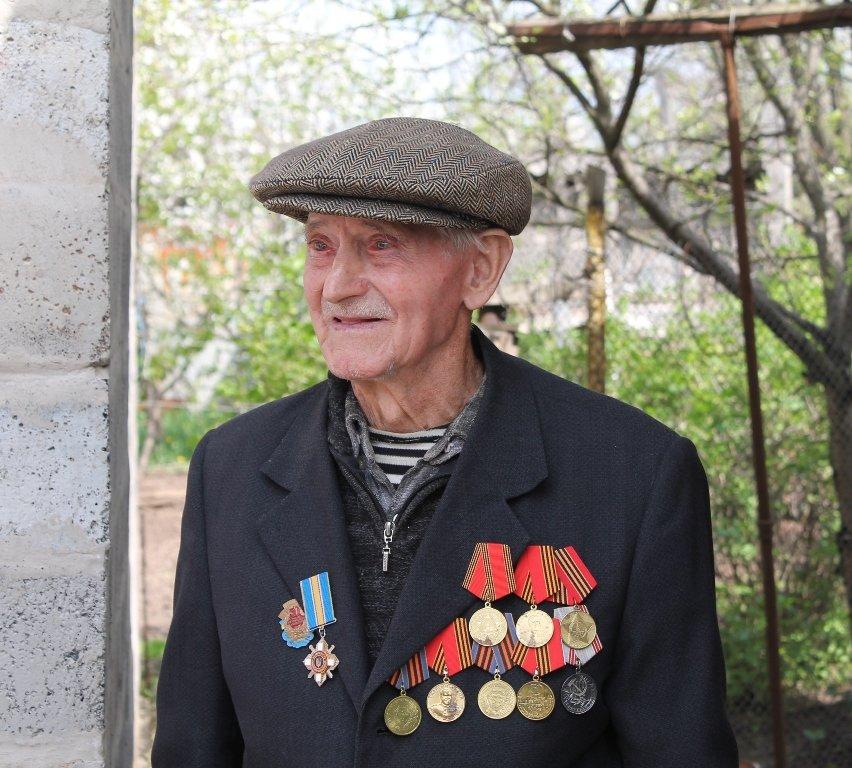 Артемовцы помогли ветеранам не словом, а делом, фото-11