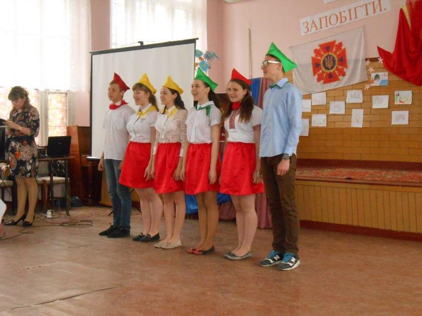В Днепродзержинске прошел городской этап Всеукраинского фестиваля дружин юных пожарных (фото) - фото 5