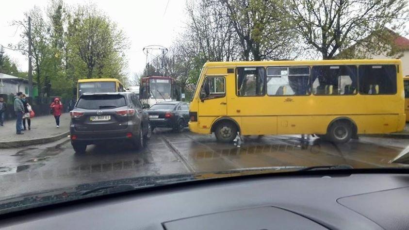 Щойно у Львові на вулиці Шевченка трапилась аварія (ФОТО), фото-1