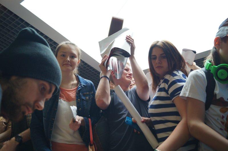 Noize MC перед концертом в Белгороде провёл автограф-сессию (фото) - фото 9