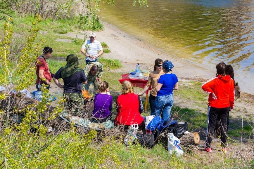 Запорожские экологические инспектора убирали на субботнике «для картинки» (ФОТО) (фото) - фото 1