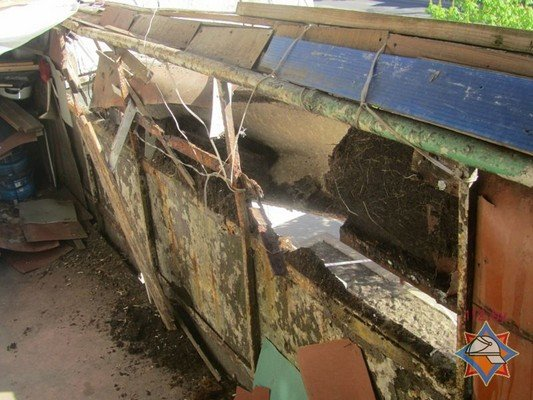 Фотофакт: в Гродно обрушилась часть балкона (фото) - фото 4
