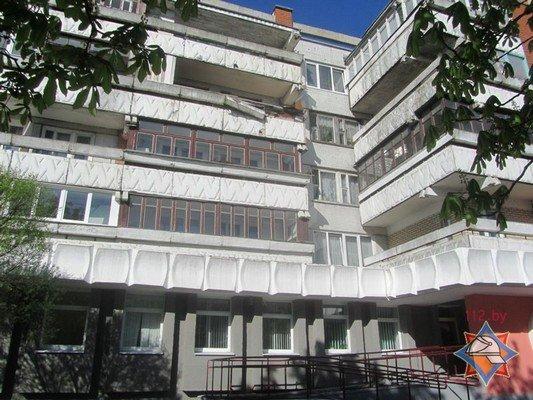 Фотофакт: в Гродно обрушилась часть балкона (фото) - фото 2