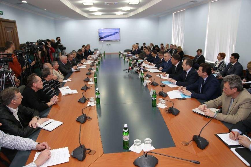 Херсонщина совместно с Николаевщиной будут обеспечивать страну военной техникой (фото) - фото 3